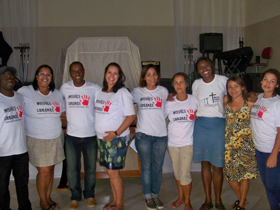 Equipe de Treinamento de Evangelismo Urbano em Manguinhos.